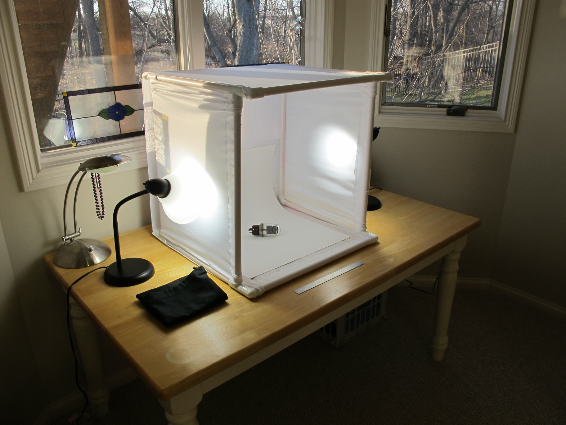 Sheldon's World » Blog Archive » Simple DIY Lightbox
